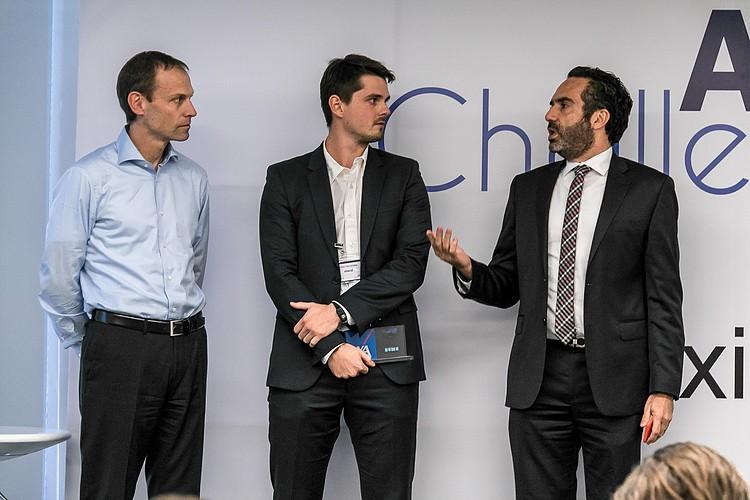 Mateo Henry Hernández Romieu gana el premio de AXA Challenge Health